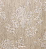 Country chic  belmont collection crème beige ondergrond met erop liggende reliëf tijdloos bloem patroon  vinyl op vlies_