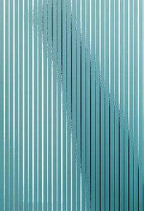 chroma  zilver op  turqoise metallic vlies 68cm brede rollen schaduw werking op foto is om verschil metallic met en zonder licht te tonen